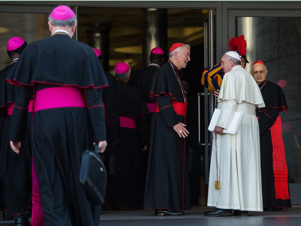 cardinal-vincent-nichols-with-pope-francis-outside-the-synod-hall-vatican.jpg